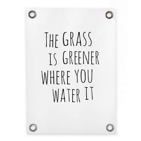 """Gartenposter Sipp Outdoor """"The grass is greener"""" Villa Madelief"""